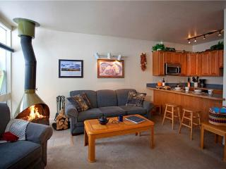 Adorable 1BR conveniently located near the office - Condo 03 - Taos Ski Valley vacation rentals