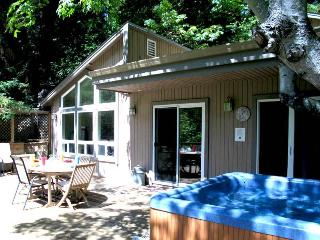 GUERNEWOOD LANDING - Russian River vacation rentals