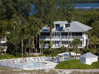 Beach and Gulf Front Villa at Palm Island Resort with All  Resort Amenities - Cape Haze vacation rentals