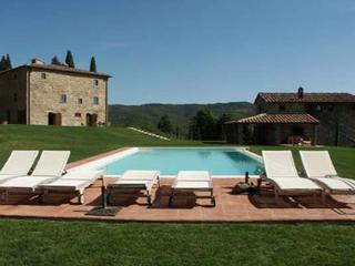 Beautiful, quiet property in the heart of the Chianti region between Gaiole and Castelnuovo Bergardenga. SAL MNA - Chianti vacation rentals