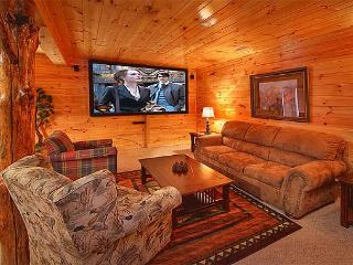 3 Bedroom Luxury Gatlinburg Cabin with 9 Foot Theater Screen - Gatlinburg vacation rentals
