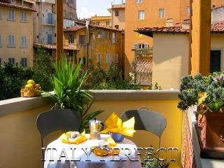 Ponte Vecchio Charm-Great Reviews-Terrace-Casetta - Tuscany vacation rentals