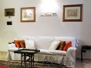 Perfect Cosy-Central Rome-Happening Monti-Cicero - Rome vacation rentals
