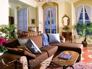 Perfect Florence Historic Center-3 Apartments-Amenities - Rome vacation rentals