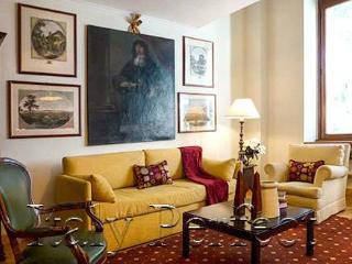 Via Veneto-Borghese Gardens-Bright Affordable-Nunzio - Rome vacation rentals
