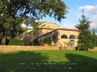 Magical Tuscany Estate Villas, Pool - Borgo Bucine - Rome vacation rentals