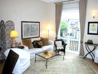 SGS - Bright, airy, refurbished 3BR in Pimlico - London vacation rentals