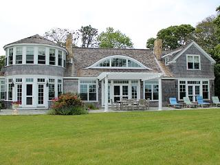 1386 - BEAUTIFUL WATERFRONT HOME OVERLOOKING VINEYARD HAVEN HARBOR WATERS - Vineyard Haven vacation rentals