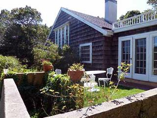 651 - LOVELY HOME CENTRALLY LOCATED TO TOWN & BEACH - Oak Bluffs vacation rentals