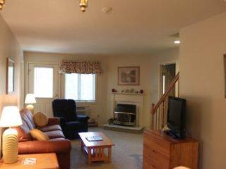 3BR Multi-level condo with TV/VCR - B3 318B - White Mountains vacation rentals