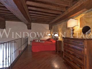 Santa Croce - Windows on Italy - Florence vacation rentals