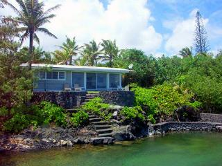 Sunrise House - Very Private 2BR Kapoho Oceanfront - Kapoho vacation rentals