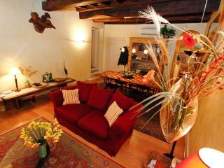 CR170 - Trevi Suite - Rome vacation rentals