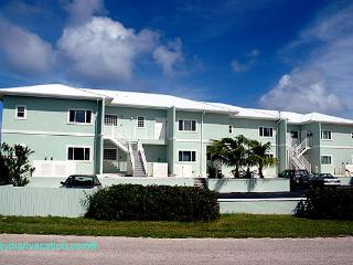 Cayman Breeze Oceanfront Condo - Cayman Islands vacation rentals