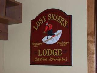 Lost Skiers Lodge - Goldenbench 2, Three bedrooms, 3 Baths, Sleeps 8-10. WIFI. Pet Friendly. - Tamarack Resort vacation rentals