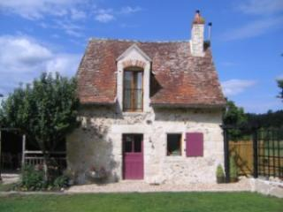 Perfect Loire Valley countryside cottage for two - Le Grand-Pressigny vacation rentals