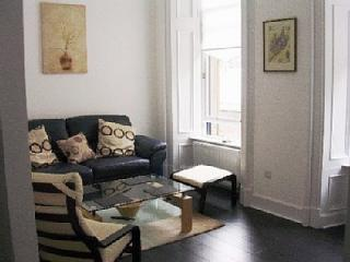 Comfortable lounge with wi fi and Bang & Olufsen TV - Library Apartment- Best  location!! - Glasgow - rentals