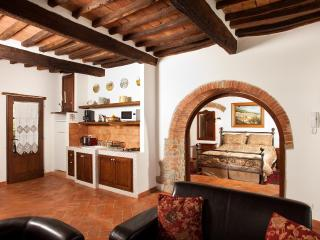La Mucchia casa vacanze (Suite honeymoon 2) - Cortona vacation rentals