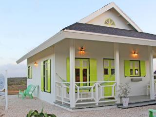 North Shore Cottage Aruba  - 3 minutes from beaches and hotel area - Noord vacation rentals
