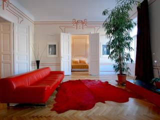 Erzsebet Royal Suite, Jugendstil, 135 sqm, WiFi AC - Budapest & Central Danube Region vacation rentals