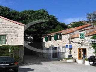 Apartment MARGARITA in authentic stone house - Split vacation rentals