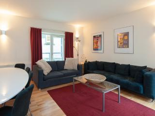 Edmonstone Close 1, Old Town, 250 metres to Edinburgh Castle - Edinburgh vacation rentals