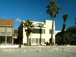 La Playa Grande - Mission Beach vacation rentals