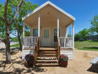 Affordable New Braunfels Cottage w/ Loft Sleeps 8 - New Braunfels vacation rentals