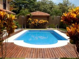 Condo Arenas de Playa Grande (Sleeps 4) - Playa Grande vacation rentals