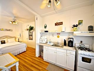 Hibiscus Efficiency - Nightly - Key West vacation rentals