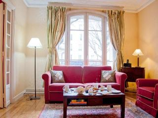 Clair de Lune 2 bedroom Montmartre - 18th Arrondissement Butte-Montmartre vacation rentals