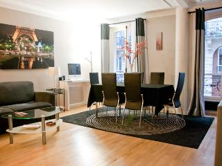 Luxurious 2 bedroom, sleeps 6 Paris 9th district - 18th Arrondissement Butte-Montmartre vacation rentals