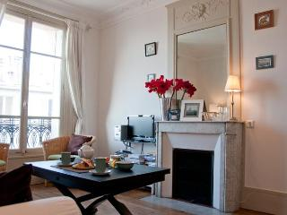 Paris with a View - 1 bedroom. Eiffel Tower views - 18th Arrondissement Butte-Montmartre vacation rentals