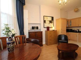 Castletown House's Ground Floor London Apartment - London vacation rentals