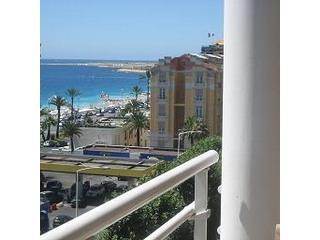 Top floor 2 bedroom apartment  100 M from  beach. - Nice vacation rentals