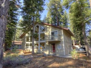 Wonderful family home across from sledding hills - CYH1092 - Lake Tahoe vacation rentals