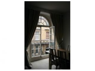3 PRINTERS COURT - Balcony doors - Sherborne Cottages & Apartments - Sherborne - rentals