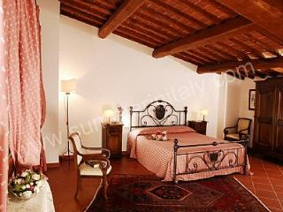 Borgo Bello D - Bucine vacation rentals