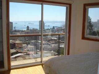 Book a home rental apartment in Valparaiso, Chile! - Valparaiso vacation rentals