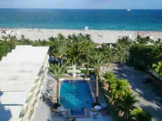 View from Room 910 - South Beach Hotel Condo RIGHT on the BEACH - Miami Beach - rentals