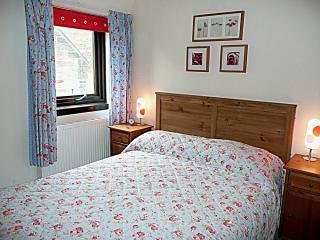 Bedroom - Atholl Crescent Lane apartment - Edinburgh - rentals