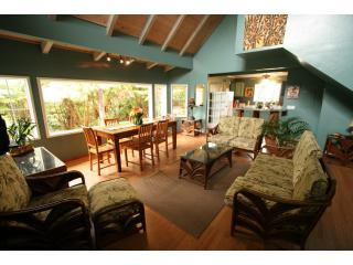 The Great Room is open and airy - Ohana House, Volcano's Popular Rainforest Retreat - Volcano - rentals