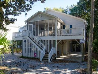Harmony Shores - 4BR/2.5BA, Beach Walk, Screened Porch - Edisto Beach vacation rentals