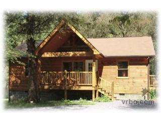 Cabin front - Apple Treehouse, Gatlinburg /Crafter's Loop - Gatlinburg - rentals