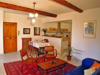 Large and comfortable apartment in Avignon centre - Luberon vacation rentals