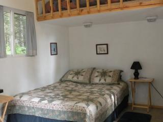 Camping Cabin/Queen bed + single bed in loft - Beach House Rentals, Seward/Claire Horton, Owner