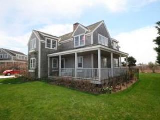 Amazing 3 Bedroom, 2 Bathroom House in Nantucket (9325) - Image 1 - Nantucket - rentals