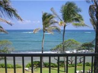Kapaa Shore Resort #305-OCEANFRONT!Sun/Moonrises! - Kapaa vacation rentals