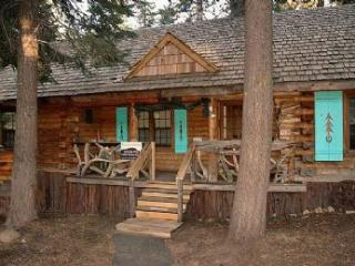 Lucky Tree Cabin *Well Behaved Dogs Welcome!* - Truckee vacation rentals