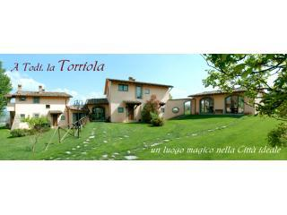 Bellissima country villa with 2 bedroom apartment - Todi vacation rentals